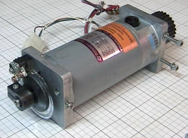 Used permanent magnet motor 24vdc 1250 rpm hitachi t0 m for Surplus permanent magnet dc motors
